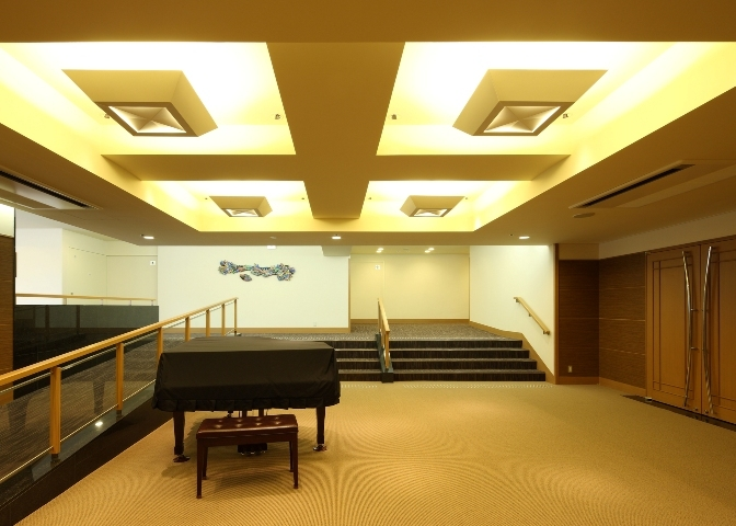 04 8階 コンベンションホール'聚楽'ホワイエ.jpg