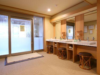 11大浴場檜扇6.JPG