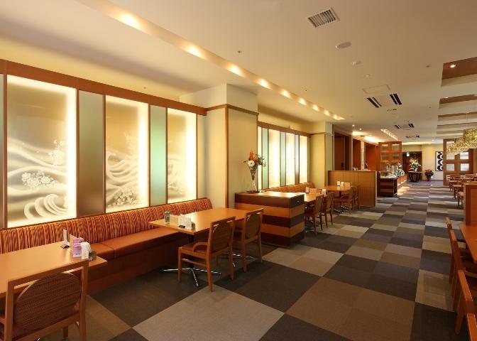 14 9階 ブッフェレストラン'花の舞'喫茶軽食スペース.jpg