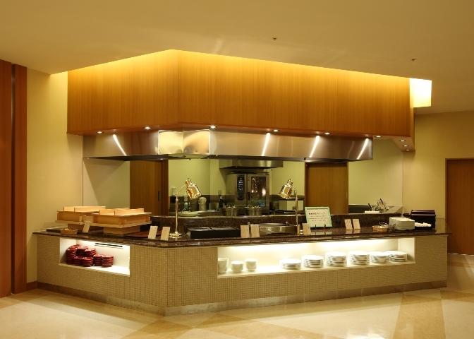 20 9階 ブッフェレストラン'花の舞'オープンカウンター.jpg